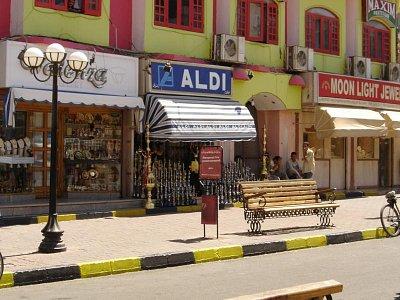 Ulice v Hurghadě - Autor: Ghinrael