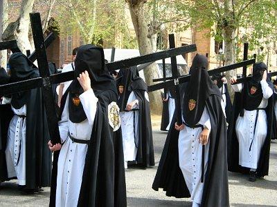 Kapucíni s křížem