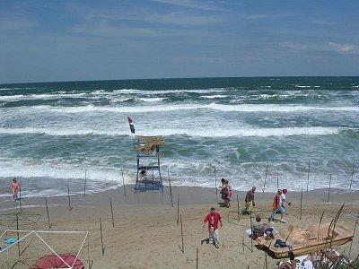 Úklid pláže po bouřce (nahrál: Mira)