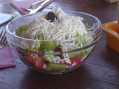 Tradiční šopský salát (nahrál: Mira)