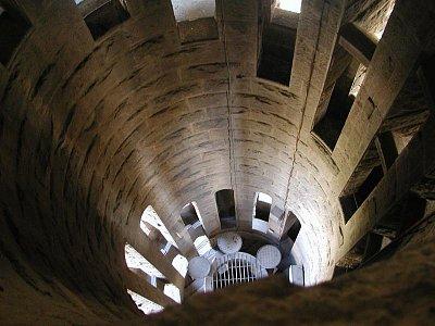 uvnitř jedné z věží SAGADA FAMILIA (nahrál: Adam Svoboda)