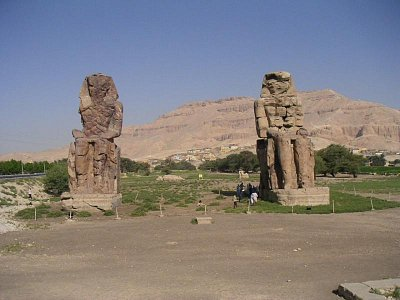 Memnonovy kolosy (nahrál: admin)