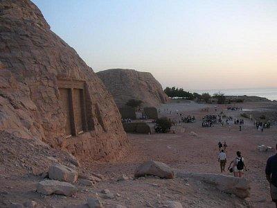 Těsně před chrámy Ramesse II a Nefertari (nahrál: admin)