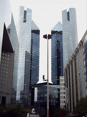 moderní čtvrť la Défense (nahrál: slávka)