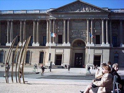 čelní strana Louvre (nahrál: slávka)