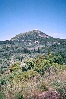 """Parga - Nedaleko Pargy se na vršku nachází stará turecká pevnost, místními zvaná \""""Alli Paša\"""", jako upomínka na ty kdo tu dlouhá staletí vládli. (nahrál: Libor)"""