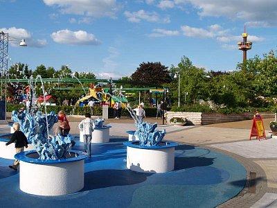 Legoland- občerstvení u fontánky (nahrál: admin)