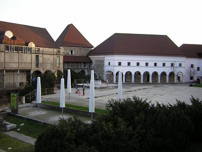 Lublaň - nádvoří hradu (nahrál: admin)
