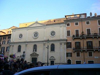 Piazza Navona - Vianoce 2007 - námestie plné atrakcií, ľudí (nahrál: viera)