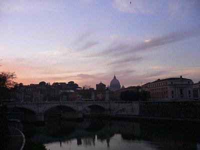 Tiber z Mosta anjelov - v pozadí kupola Baziliky sv. Petra (nahrál: viera)