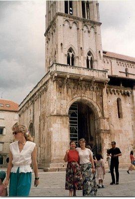Trogir  - Vstup do katedrály sv.Vavřince (nahrál: Slávek)