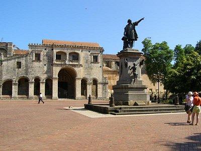 Kolumbov park - s objaviteľovym pomníkom (nahrál: V.Revický)
