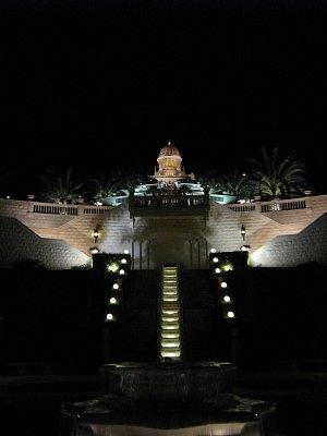 Haifa  - noční pohled na park Bahai 2008 (nahrál: honza)
