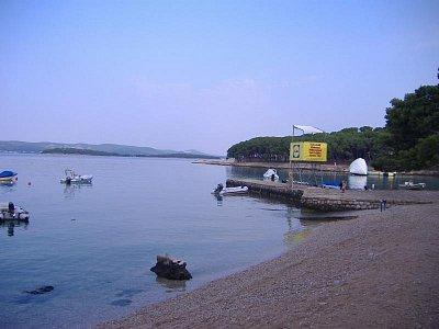 Biograd na moru, 7:00 ráno - Pláž u kempu Soline v 7: 00 ráno  (nahrál: Veroniqque)