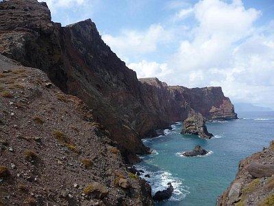 Poloostrov Ponta de Sao Lourenco - Úchvatný pohled na bizardní útesy spadající do oceánu (nahrál: jannak)