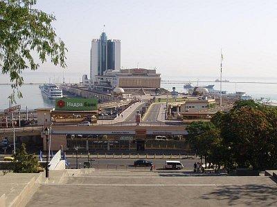 pohled z Potěmkinových schodů na námořní nádraží (nahrál: Kamil Hainc)