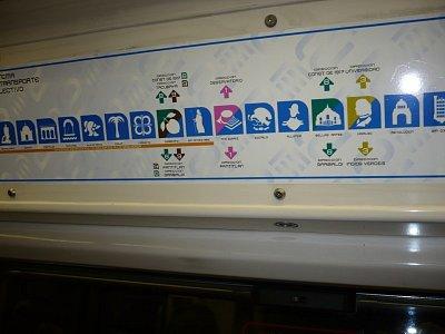 značení stanic v metru pro negramotné (nahrál: AGNEZ5)