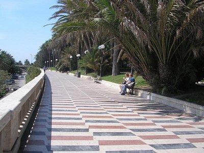San Remo - kolonáda na pobřeží (nahrál: Jitka Zagorová)