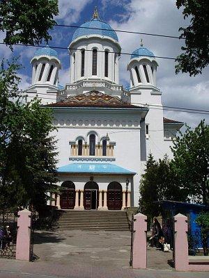 """""""opilý"""" kostel sv. Mikuláše ze 30. let 20. století (nahrál: Kamil Hainc)"""