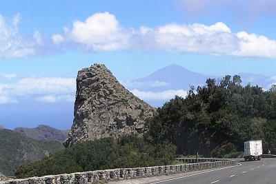 La Gomera - Mirador de Tajaqué vzadu Pico del Teide na Tenerife (nahrál: J. Kynzl)