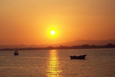 západ slunce - sedíte v maurské kavárně vychutnáváte čaj s pínyovými oříšky, tak tato nádhera vás nikdy nenutí zapomenout (nahrál: Jitka0229)