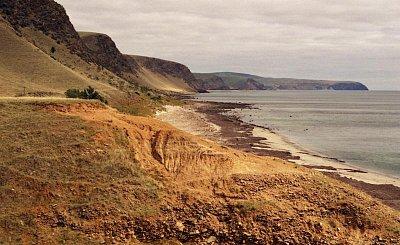 Lady Bay - Pohled směrem k jihu k Cape Jervis - asi 25km od Cape Jervis (nahrál: Luboš)