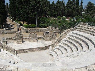 divadlo v Kosu