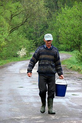 Ivan nese pitnou vodu - Nižnij Studenij (nahrál: elena)