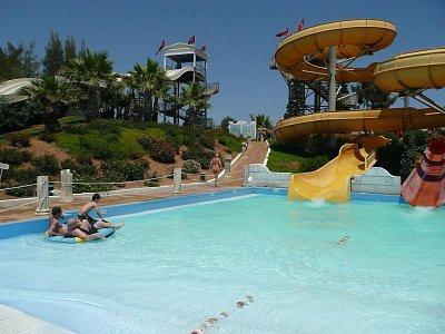 aguapark (nahrál: alena)
