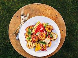 Ovocný salát s fetou a mátou