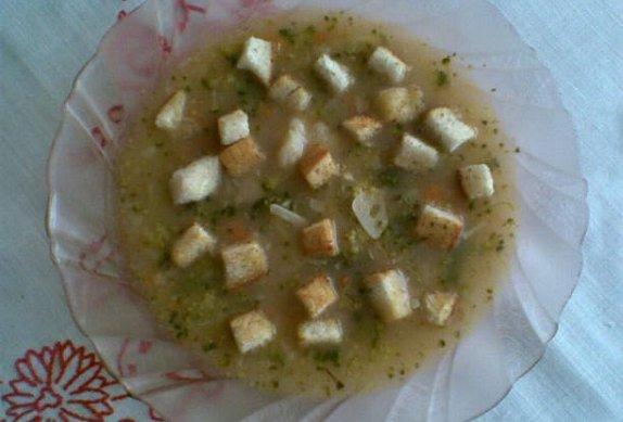 Zeleninová česnečka s krutony