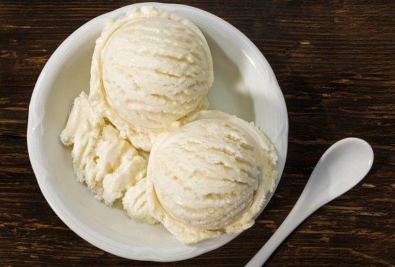 Domácí vanilková zmrzlina ze zmrzlinovače