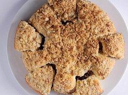 Buchty s ořechovou drobenkou