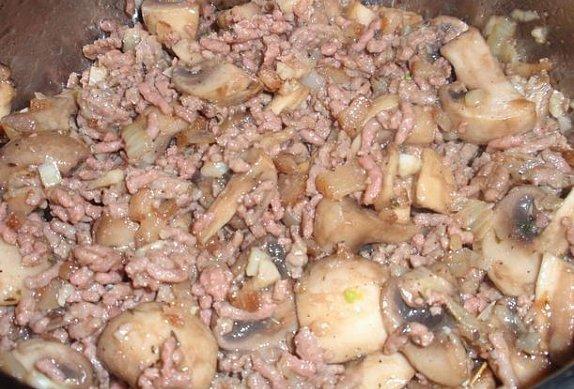 Dušené mleté maso se žampióny