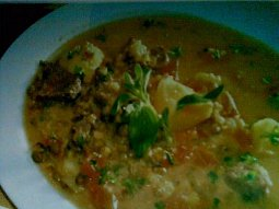 Arašídová polévka - sopa de maní