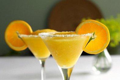 VIDEO: Připravte si mexickou mangovou Margaritu u vás doma!