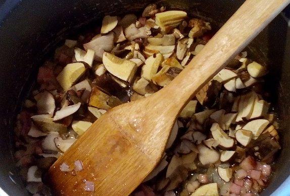 Rohlíkové pleskačky (placičky) s houbami