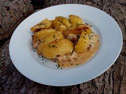 Krkovice s bramborem na česnekové smetaně (nejen z remosky)