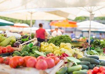 Populární farmářské trhy. Proč na ně chodit a co na nich najdete?