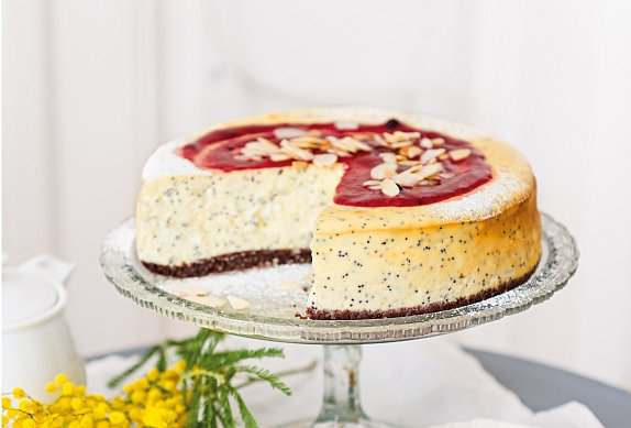 Tvarohový dort s mákem a bílou čokoládou