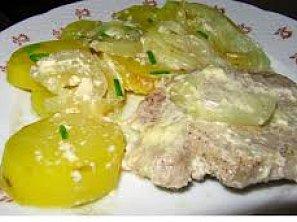 Zapečené brambory se šlehačkou