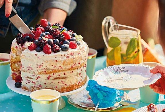 Piškotový dort s malinovým mascarpone