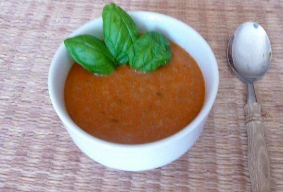 Rajčatová polévka Institutu Kompliment