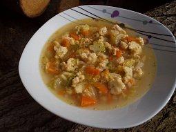 Farářská polévka (s vaječnými nočky)