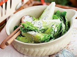 Salátová srdíčka s bylinkovým dresinkem