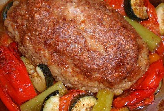 Pečená sekaná v zelenině