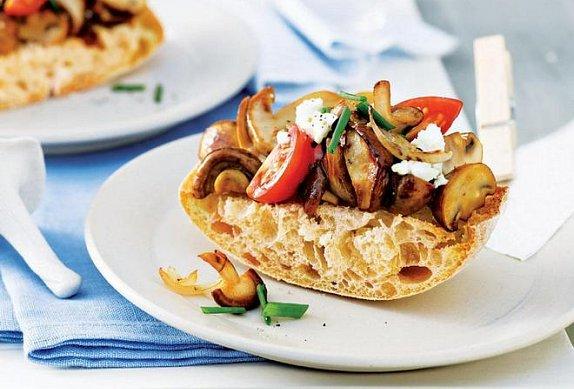 Bageta s houbami photo-0