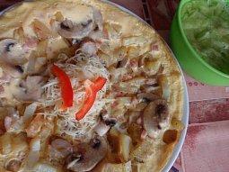 Bramborová omeleta se šunkou a žampiony