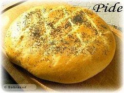 Turecký chléb Ramadan Pide (Ramazan Pidesi)