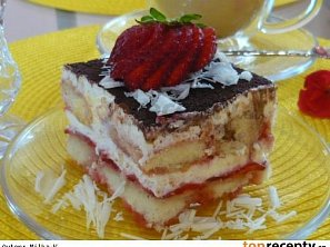 Tiramisu s jahodami a čokoládou